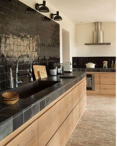 "187 Gostos, 2 Comentários - KOKLATT (@koklatt) no Instagram: ""#cozinhas #inspiration #kitchens"""