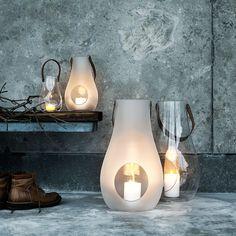 Holmegaard lanterne i 3 størrelser Holengaard købes til priser hos www. Living Room Flooring, Skagen, Danish Design, All Modern, Candlesticks, Lava Lamp, Fossil, Table Lamp, Lights
