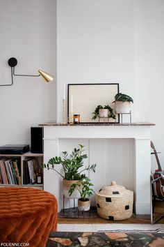 Creating a peaceful interior by styling the greens - polienne Design Living Room, My Living Room, Home And Living, Living Room Decor, Living Spaces, Home Interior, Interior Styling, Interior Decorating, Interior Design