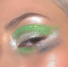 grafika beauty, eyeshadow, and glitter Makeup Inspo, Makeup Art, Makeup Inspiration, Beauty Makeup, Eye Makeup, Hair Makeup, Pretty Makeup, Makeup Looks, Beauty Regimen