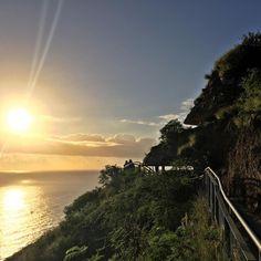 Diamond head vandringsleden Hawaii Travel, Happy Friday, Beans, Island, Sunset, Diamond, Instagram Posts, Outdoor, Outdoors