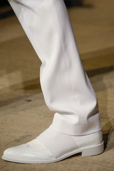Givenchy Spring 2016 Ready-to-Wear Fashion Show Details #shoes #white