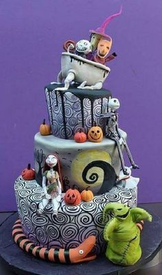 Top 10 Best Cake Artists in the World  - Do you like to have a piece of cake? Do you know how to make a cake? What do you think of learning how to deco... -  Dina Cimarusti -  #bakingcakes #cakeartists #cakedecorators #decoratingcakes #decoratingcakestutorials #topten #top10 #onlinemagazine #toptenymagazine #trends #top10lists