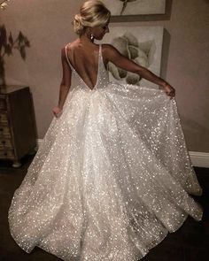 """297 Beğenme, 10 Yorum - Instagram'da Les Trois Soeurs Bridal (@lestroissoeursbridal): """"MUST share this over and over again because we can't have enough of fairytale gowns!! In our…"""""""