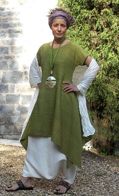 LIME GREEN RAW SILK TUNIC with  white linen sarouel ( harem pants)
