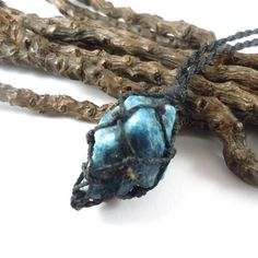 Simple Blue Apatite macrame necklace for him. Filled with good vibes yo encourage honesty, logical thinking and openness. Great for balance and energy boost.                                    BLUE APATITE, the humanitarian friend.    Blue Apatite is first of all an anger suppressant that also eliminates blockages and brings balance to the body. Communication issues? Problems with self-expression? Blue Apatite. It's also helpful for manifestation. Are you a teacher? Or a student? Get a Blue…