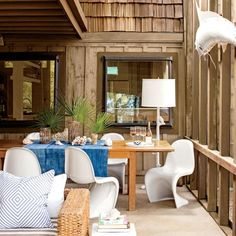 Beach House Groove: Screened Porch