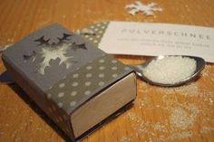 """...habe ich heute verschenkt :-) Zu einem kleinen Kaffeeklatsch hab ich diese """"Zucker-Schnee"""" Schachtel mitgebracht. Wenn wir schon keinen ..."""