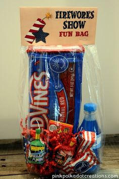 These fun bags are perfect for when you are waiting for the fireworks to start. Also a parade fun bag topper! Fourth Of July Decor, 4th Of July Celebration, 4th Of July Decorations, 4th Of July Party, July 4th, July Crafts, Holiday Crafts, Holiday Fun, Holiday Ideas