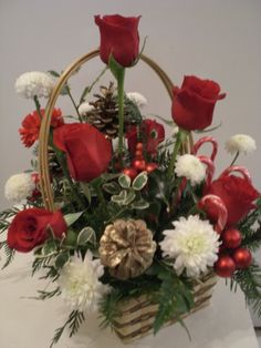 Christmas basket flowers arrangement  http://www.unny.com