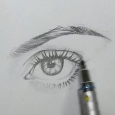 Semi realistic basic eye. Lovefool.mp3 #drawing #sketching #sketch #draw #illustration #tutorial #diy #wip #process #pencil #ink #inking #graphic #model #timelapse #eyebrows #eyelashes #makeup #blogger #fashion #gdl #friday #saturday #art #arte #inktober #october
