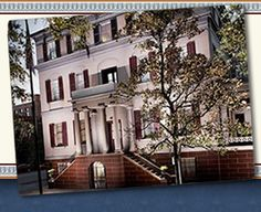 I've always wanted to tour the Juliette Gordon Low birthplace..I'm a big fan of Girl Scout cookies :-)