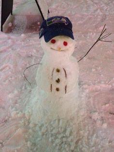 Suck it Elsa cause I did build a snowman pic.twitter.com/hu6HbNX3oA