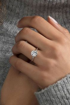 Awesome 56 Simple Engagement Ring for Girls Who Love https://bitecloth.com/2017/10/03/56-simple-engagement-ring-girls-love/