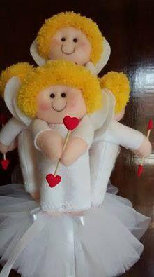 Buque de Cupidos  Contém 5 bonecos feitos em feltro,para serem jogados pela Noiva. E a sortuda que pegar será flechada por ele e quem sabe a próxima a jogar o buque.  https://www.facebook.com/BonecaSapeca