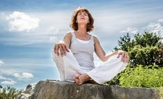 Human behaviour expert Dr John Demartini gives some advice on how to feel younger – both physically and mentally. Free Psychic, Physically And Mentally, Aging Process, Spirit Guides, Yoga Poses, Health And Wellness, How Are You Feeling, Exercise, Actors