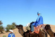O calatorie pe camile in Desertul Sahara este o experienta unica, pe care se merita sa o traiesti macar o data in viata.