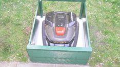 Garage für den Automower 305 selbst bauen - oder kaufen Grass Mower, Lawn Mower, Garages, Home Appliances, Lawn Edger, House Appliances, Grass Cutter, Appliances, Garage