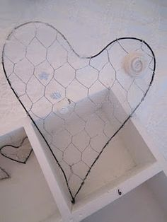♥ Stipje ♥: ♥ ♥ Hearts of chicken wire