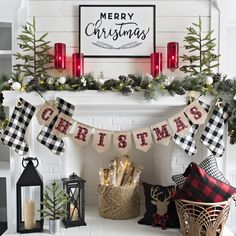 Are you looking for ideas for farmhouse christmas decor? Check this out for amazing farmhouse christmas decor inspiration. This cool farmhouse christmas decor ideas looks totally brilliant. Decoration Christmas, Farmhouse Christmas Decor, Christmas Mantels, Noel Christmas, Xmas Decorations, Christmas Wreaths, Christmas Crafts, Christmas Fireplace Decorations, Christmas Movies