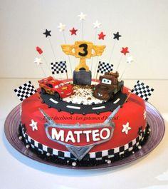 """Cars cake. Cree par : """" Les gateaux d Ingrid """" ( facebook"""