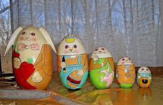 Vintage Easter Bunny Rabbit Family Wooden Nesting / Stacking Dolls Set of 5 Rare #Unbranded