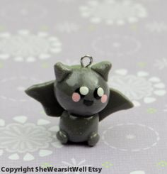 Kawaii Clay Bat charme - Handmade Polymer Clay Bat, bijou de portable, charme pour Bracelet chaine, bijoux filles, Stocking Stuffer