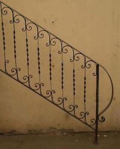 Risultati immagini per ringhiera ferro battuto
