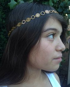 Daisy Chain Headband in Gold or Silver by INGcouture on Etsy https://www.etsy.com/listing/185996139/daisy-chain-headband-in-gold-or-silver