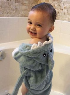 Make bath time fin-tastic with this adorable Terry Shark Robe for your little one. Cute Baby Boy, Baby Kind, Adorable Babies, Baby Boys, Precious Children, Cute Children, Baby With Freckles, Mexican Babies, Baby Aspen