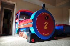 Who wouldn't want to be a conductor with this bed?! Check out how to build a Train bed! #choochoo #trainbed #DIY