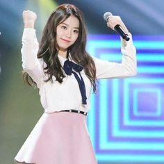 I like... i really like this look and very cute! Saia Rosa pastel #stylesohye #ioi #kimsohye #Sohye #sohyefashion #k-pop #koreanstyle #k-popstyle #kimsohye2017 #kpop