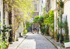 Walk the arrondissement is a village Paris - Paris tourist office Urban Village, Tourist Office, City Slickers, French Property, Parcs, Future Travel, Small Gardens, Beautiful Islands, Rue