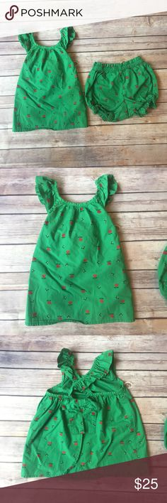 Hanna Andersson Outfit Size 85 (2T) Hanna Andersson swing too with cross ruffle straps and coordinating Bloomers in very good used condition.  Kelly green fabric with bumble bee and flower print throughout.  Open back on the tank with a bow. Hanna Andersson Matching Sets