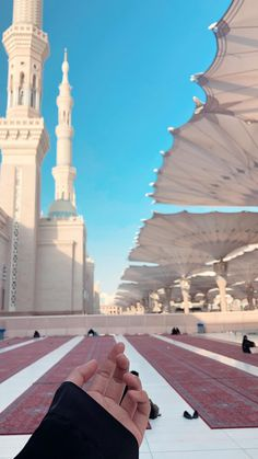 Muslim Images, Islamic Images, Islamic Pictures, Islamic Messages, Mecca Masjid, Mecca Islam, Mecca Wallpaper, Islamic Quotes Wallpaper, Beautiful Mosques