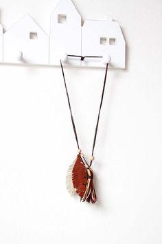 Náhrdelník z kůže Tutorials, Pendant Necklace, Jewelry, Fashion, Moda, Jewels, Fashion Styles, Schmuck, Jewerly