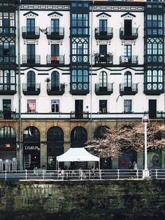 Txinpum Bilbao, Basque Country, Castles, Mansions, Cars, House Styles, Building, Wonders Of The World, Balconies