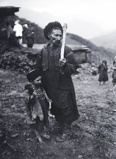 A mountaineer with his son, Russia, 1929 - Arkady Shaikhet