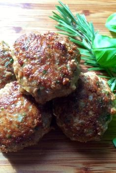 """Italienske"" Frikadeller (uden mel og mælk) Greek Recipes, Italian Recipes, Dinner For 2, Salmon Dinner, Danish Food, Recipes From Heaven, Lunches And Dinners, Easy Healthy Recipes, Meal Planning"