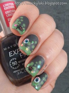 Cute for halloween or...without the spiders, etc. would be cute for St. Pattys