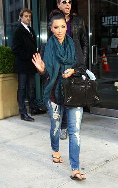 Kim Kardashian Rocking A Teal Scarf.