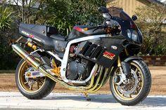 Planet Japan Blog: Suzuki GSX-R 1100 GV73A by PMC.Inc