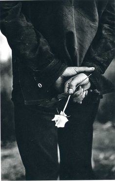 Romantic photo by Ralph Gibson Ralph Gibson, Story Inspiration, Writing Inspiration, Character Inspiration, Ex Machina, Chivalry, White Roses, Black And White Photography, Monochrome Photography