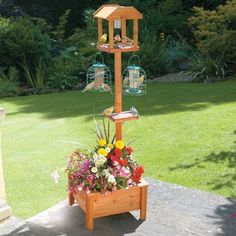 I love this bird feeder. I think I may actually order it this year.