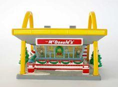1011: Dept 56 McDonalds 54914 Snow Village : Lot 1011