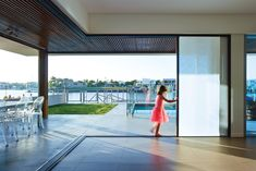 Gallery of Integrated Doors in Mooloolaba Residential Project - 1