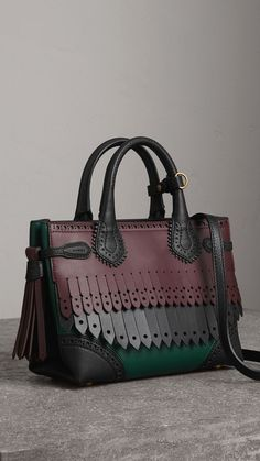 508dd2a99d Selecting The Right Authentic Designer Handbag For Yourself