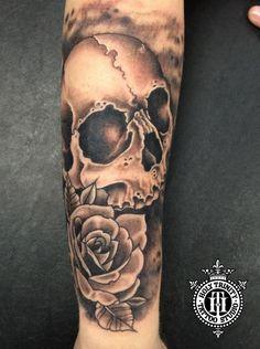 Skull and rose by greg. #skulltattoo #skullandrosetattoo #blackandgreytattoo