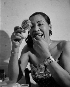 While Billie Holiday's short life was filled with hardship, Jerry Dantzic documented not the tragic torch singer of myth but a middle-aged woman finding simple comforts from the maelstrom. Jazz Artists, Jazz Musicians, Lady Sings The Blues, Vintage Black Glamour, Greys Anatomy Memes, Cool Jazz, Thing 1, Country Blue, Miles Davis