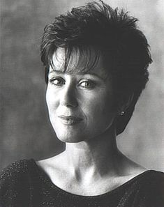 Mary McDonnell,